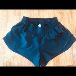 Lululemon Hotty Hot Short II 2.5